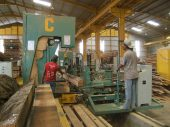 Perusahaan kayu 18
